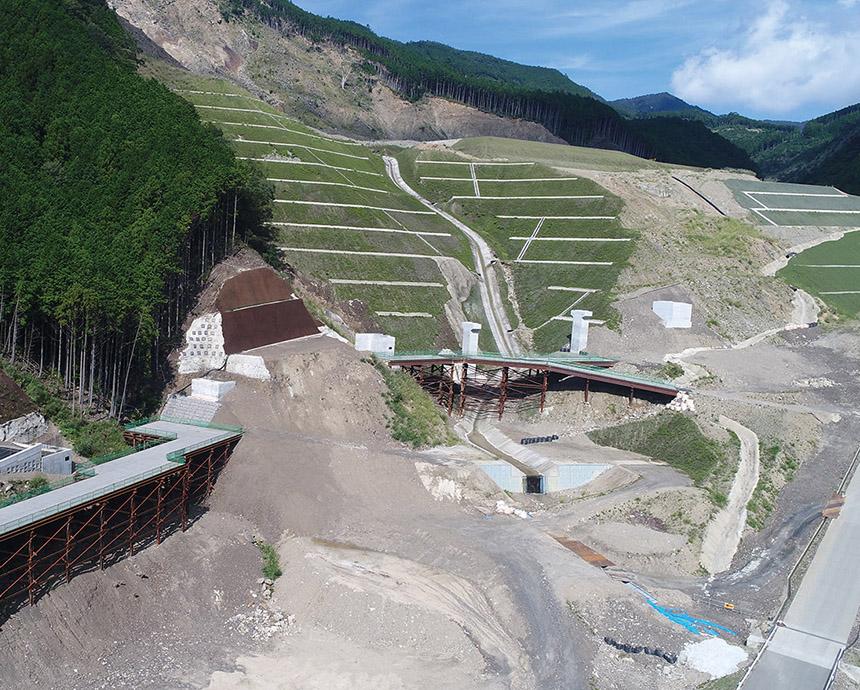 熊野川管理用道路橋梁下部工他工事